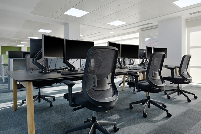 desks 1 for Global Publisher
